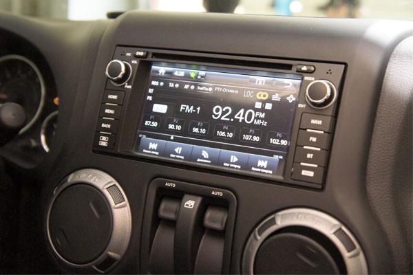 Штатная магнитола с навигацией и 3G для Jeep Wrangler