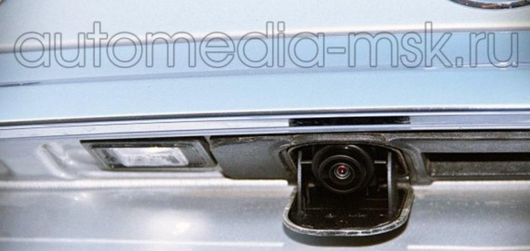 Установка парковочной камеры на Mercedes GLA