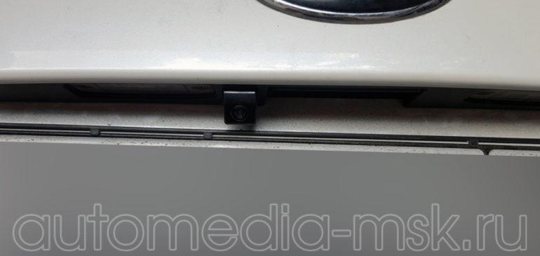Установка парковочной камеры на Kia Sorento