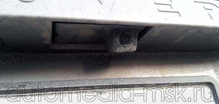 Установка парковочной камеры на Land rover Freelander