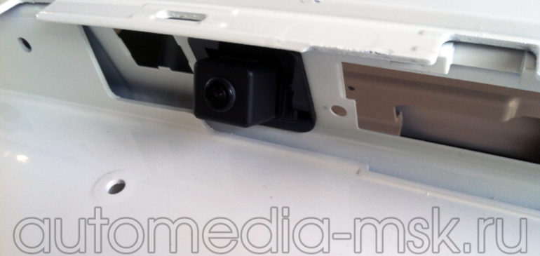 Установка парковочной камеры на Mercedes CL