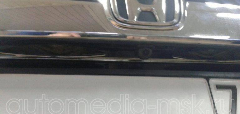 Установка парковочной камеры на Honda CR-V