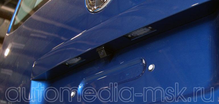 Установка парковочной камеры на Volkswagen Multivan
