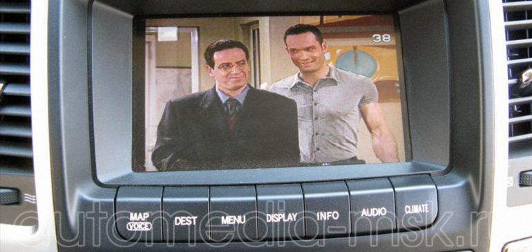 Установка ТВ-тюнера на Toyota Highlander