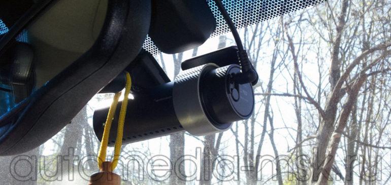 Скрытая установка видеорегистратора на Toyota Camry