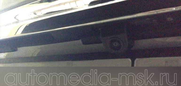 Установка парковочной камеры на Mercedes GL