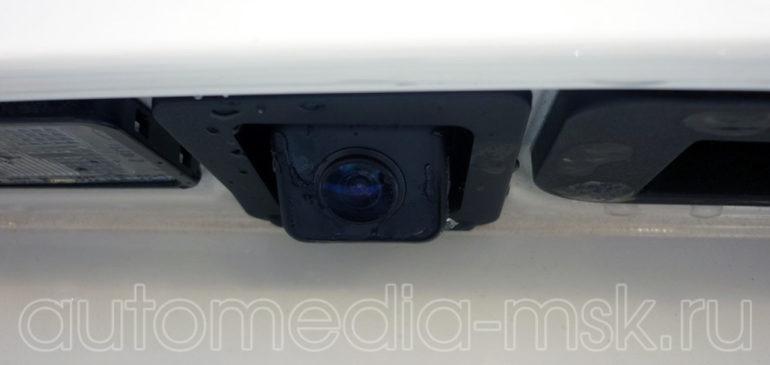 Установка парковочной камеры на Mercedes GLK