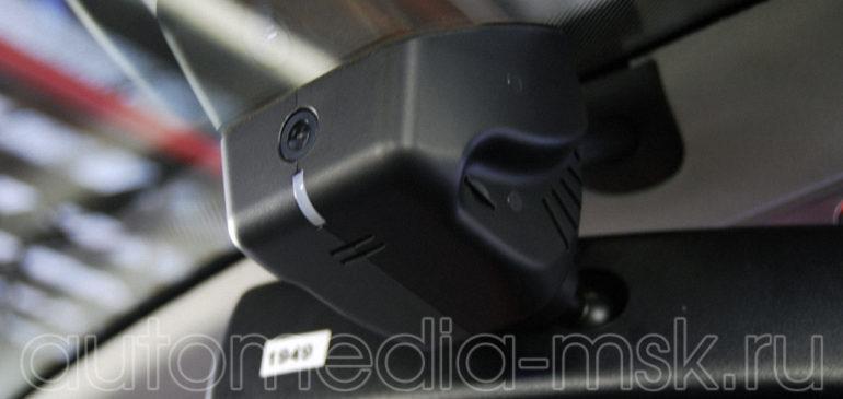 Скрытая установка видеорегистратора на Volkswagen Multivan