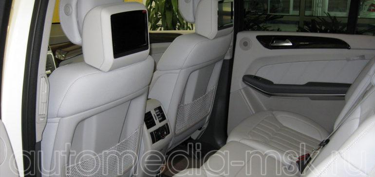 Установка дополнительных мониторов в Mercedes GL